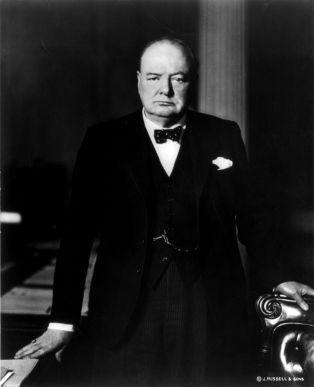 800px-Winston_Churchill_cph.3b13157